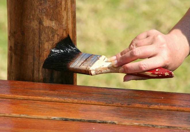 Нанесение защитного покрытия кистью