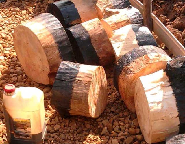 Отработанное масло наносится на конструкции контактирующие с землей